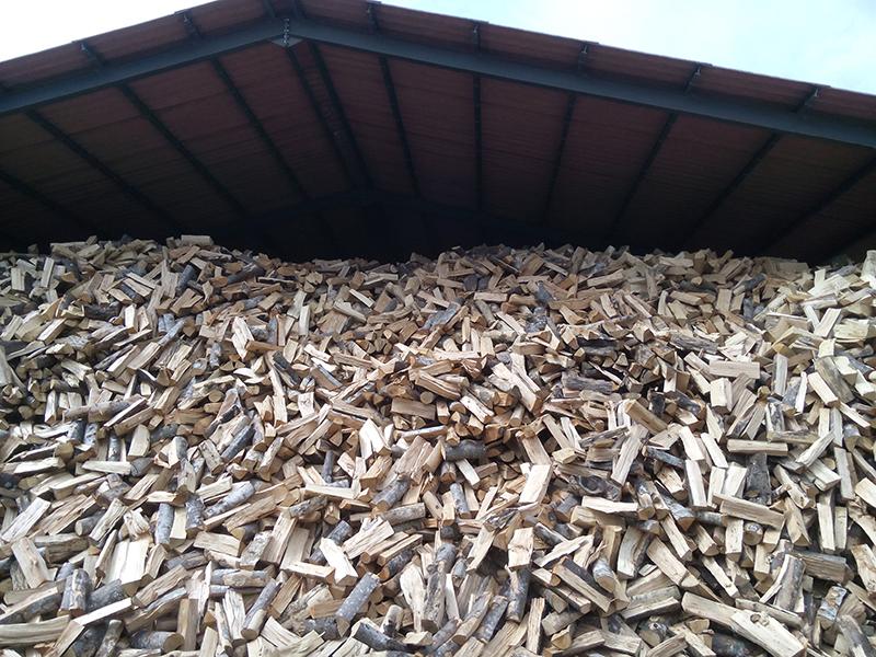 achat de bois de chauffage pr s de montpellier puech bois energie achat de bois de chauffage. Black Bedroom Furniture Sets. Home Design Ideas